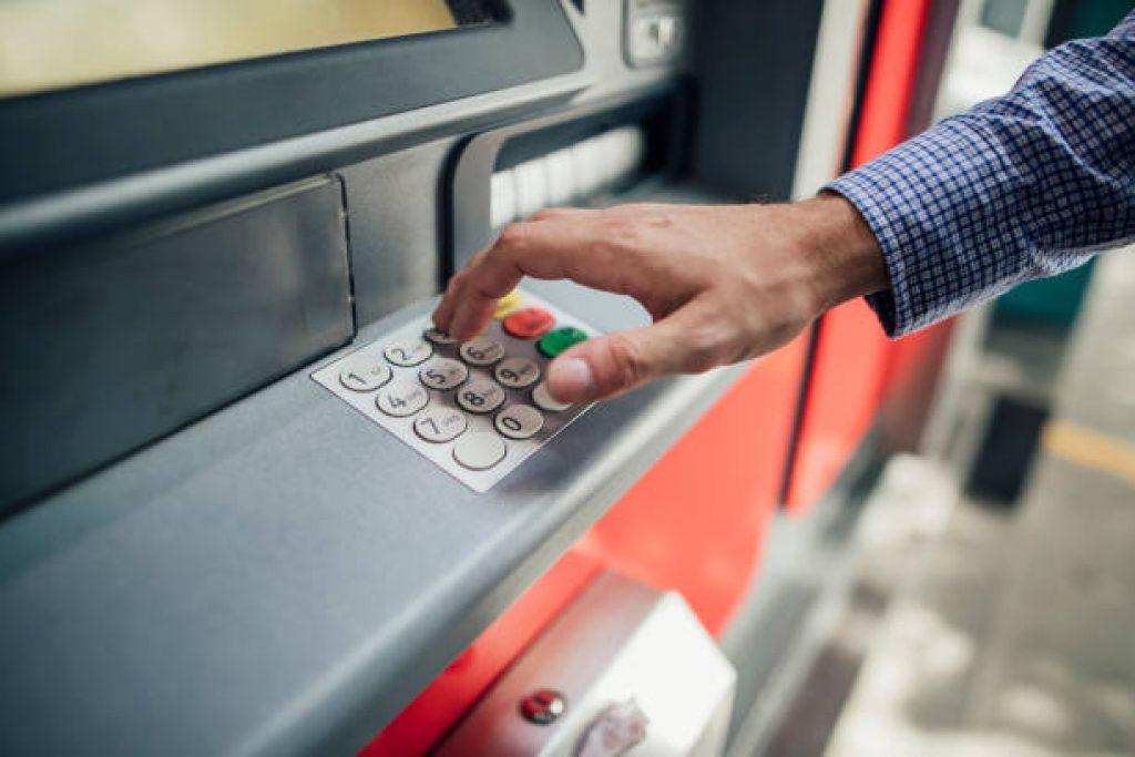 пари до минути с кредитна карта